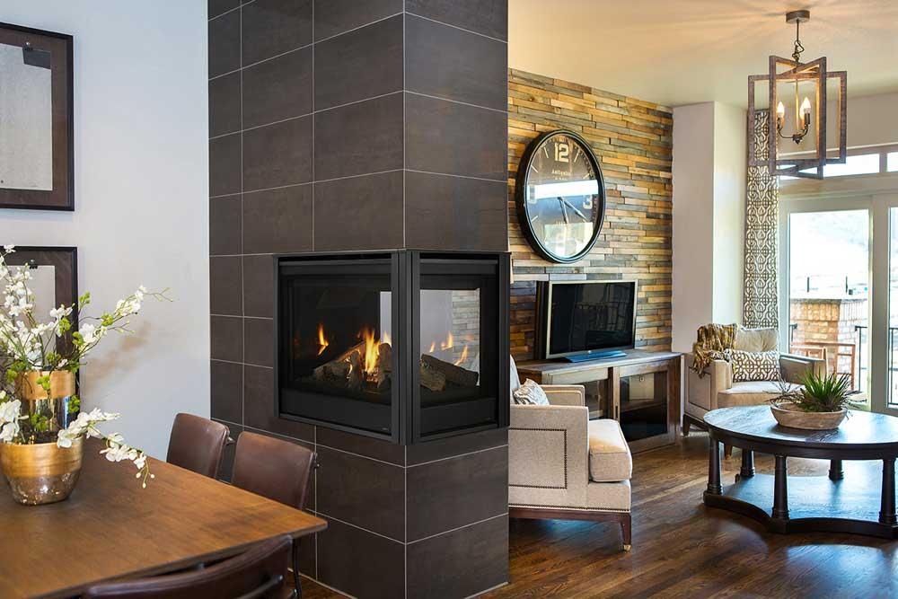 Majestic Pearl II Peninsula Gas Fireplace