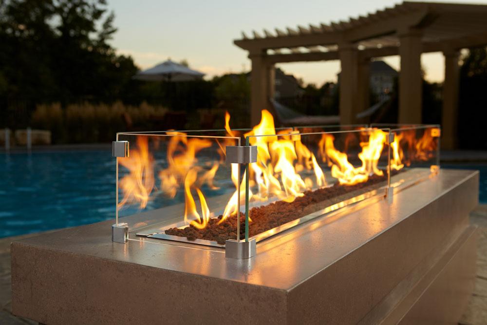 Image of Majestic Outdoor Lifestyles Plaza Linear Gas Fire Pit ODPLAZA-L24S ODPLAZA-L24E